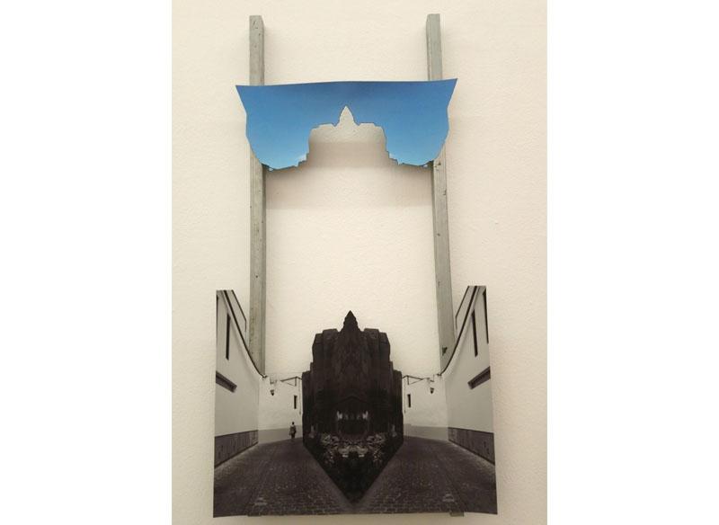Título: sin título (callejón de la Catedral) Técnica: fotografía sobre lona imantada y hierro. Medidas: 70x49 cm. Precio: 650.- €